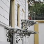 Casa Valimarescu, Craiova - intrari cu marchiza