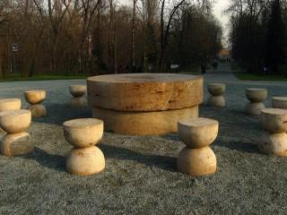 Masa Tacerii - Ansamblul Monumental Calea Eroilor Constantin Brancusi - Targu Jiu
