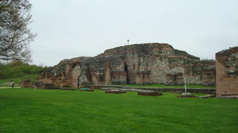 Ramasitele palatului imparatului roman Galerius de la Felix Romuliana