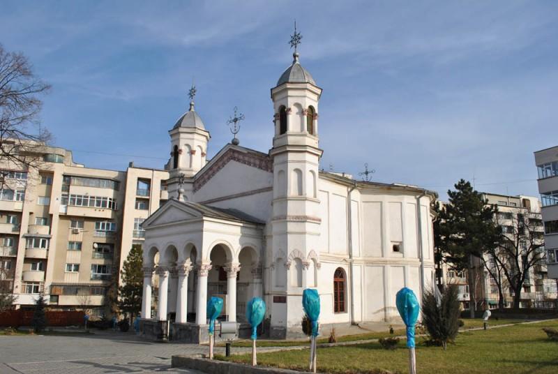 Biserica Toti Sfintii Hagi Enus - vedere laterale