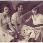 Portret in studio Genoveffa Adotti, impreuna cu surorile gemene Irene si Olga