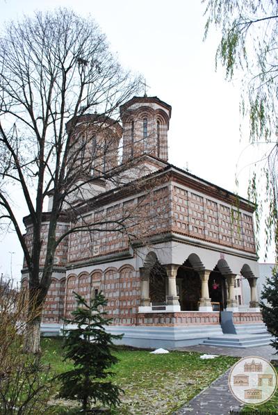 Biserica Sf Apostoli, Craiova - vedere laterală