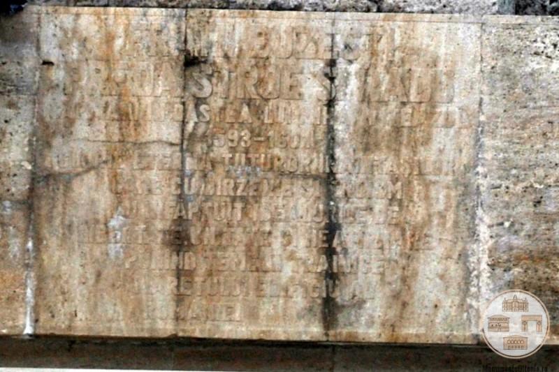 Monumentul Frații Buzești, Craiova - soclu