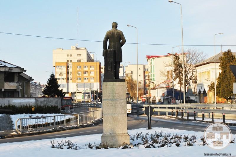 Monumentul Eugeniu Carada, Craiova - vedere din spate
