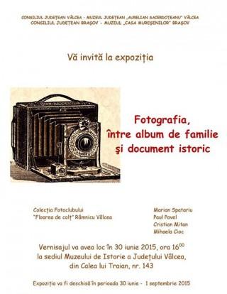 Fotografia, intre album de familie si document istoric