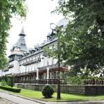 Hotel Central, Calimanesti - vedere din parc