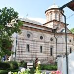 Manastirea Cozia - Biserica Sf Treime - vedere laterala