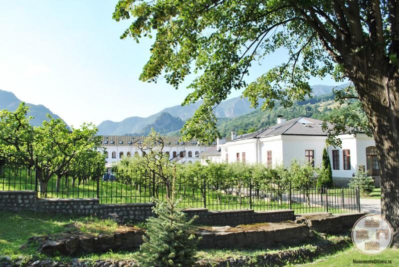 Manastirea Cozia - pavilioane auxiliare