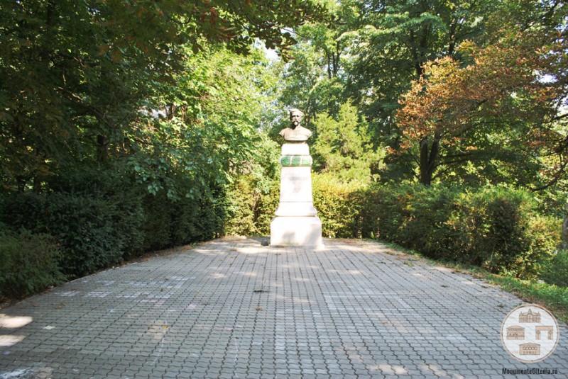Bustul generalului medic Nicolae Zorileanu - Parcul Central, Baile Govora