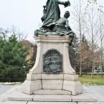 Monumentul Barbu Stirbei, Craiova - vedere laterala (stanga)