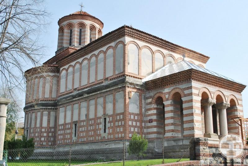 Biserica Sf Arhangheli Mihail si Gavriil, Craiova - vedere laterala