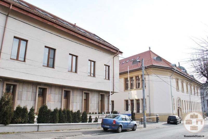 Sediul Muzeului Olteniei, Sectia de Istorie-Arheologie - vedere de pe str Brandusa