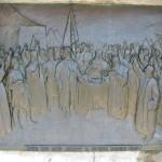 Monumentul Proclamatiei de la Pades - basorelief Boierii tarii depun juramant de supunere Domnului Tudor