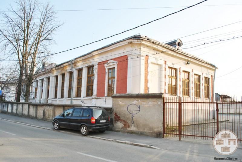 Scoala Obedeanu din Craiova - corpul de cladire cu intrare din str Pictor Obedeanu