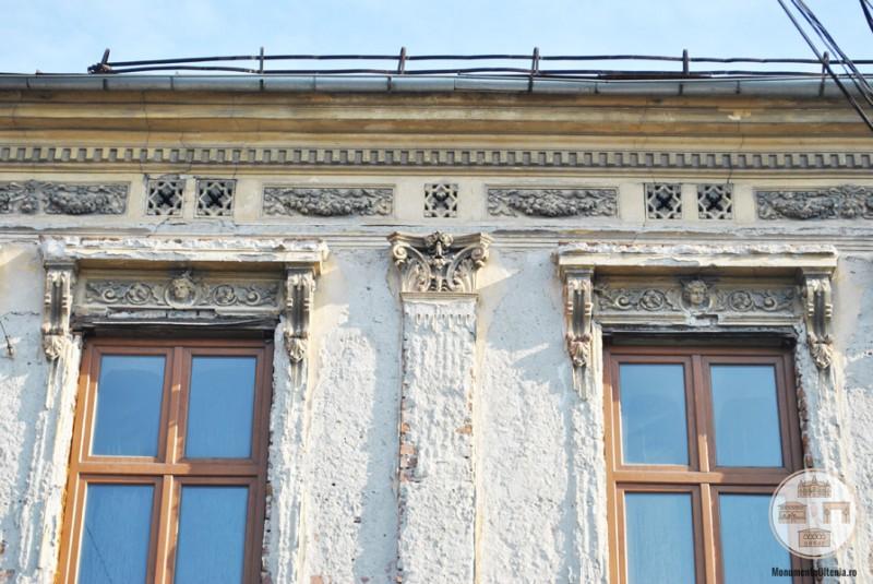 Hanul Putureanu, Craiova - detalii decorative