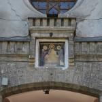 Intrarea in Manastirea Tismana - detaliu turn instrare pe latura de vest a incintei
