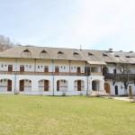 Manastirea Hurezi - cladiri anexa din incinta exterioara (1)