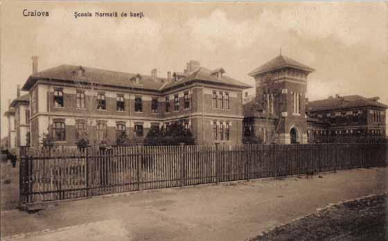 Craiova - Scoala de baieti 1910. Sursa foto.maglina.ro
