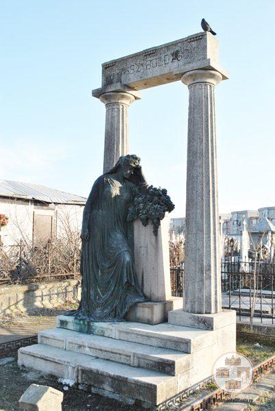 Monumentul funerar al lui Ulisse Boldescu - Cimitirul Sineasca