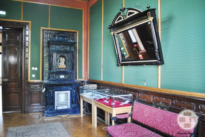 Casa Nicolae Romanescu - biblioteca Luciei Romanescu