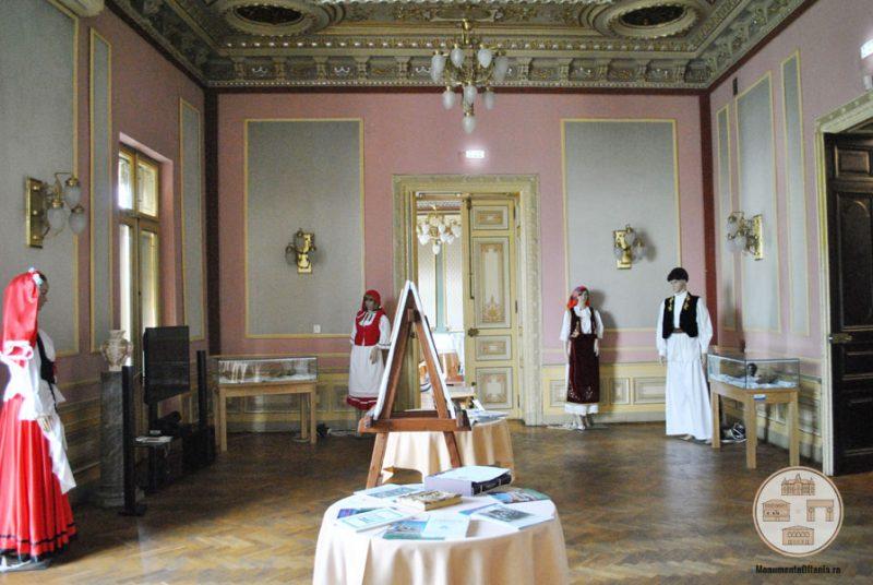 Casa Nicolae Romanescu - colectia multietnica a minoritatilor din Oltenia