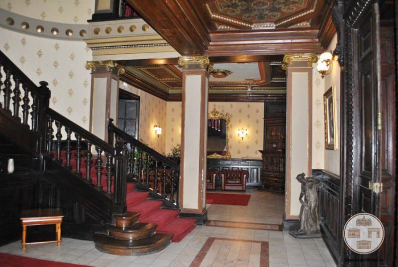 Casa Nicolae Romanescu - hol onoare parter