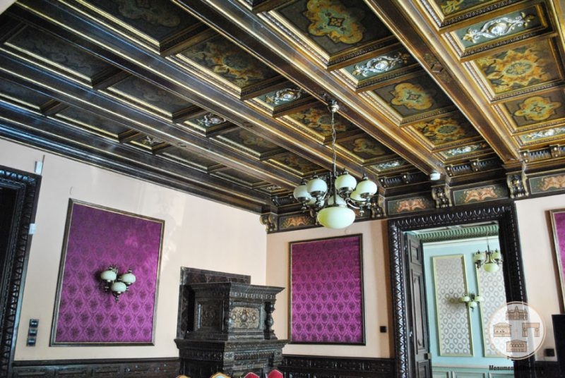 Casa Nicolae Romanescu - salonul grena