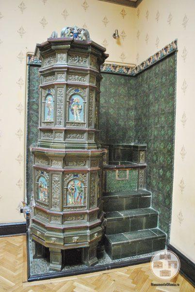 Casa Nicolae Romanescu - soba salon central etaj I