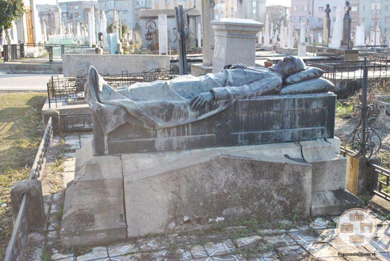 Monumentul funerar al lui Eugeniu Carada din cimitirul Sineasca, Craiova