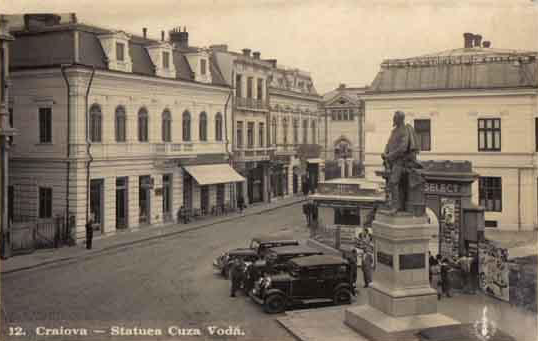 Statuia lui Cuza la Craiova - amplasament in piateta dintre Hotel Minerva si Hotel New York