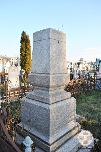 Monumentul funerar Leonte Leontian Craiova