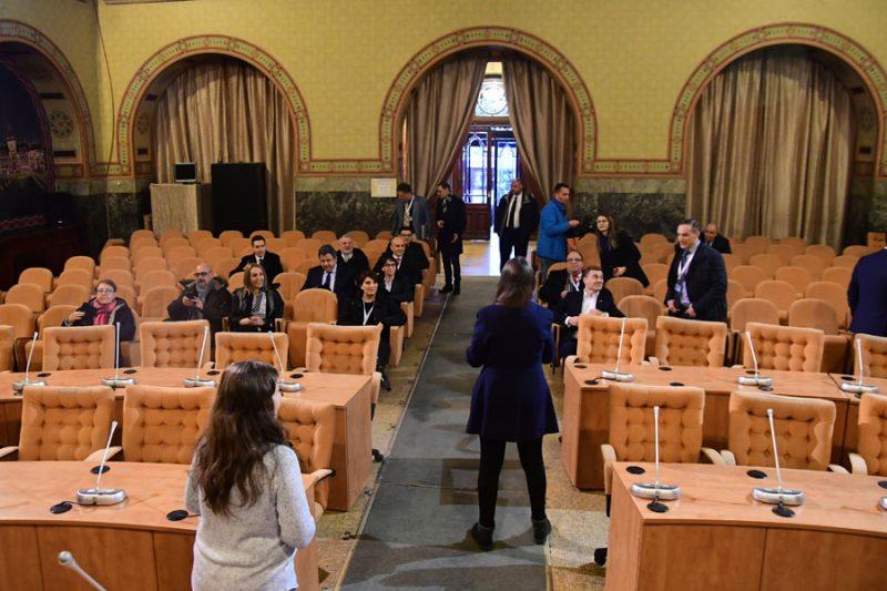 Turisti straini la Palatul Banca Comertului - Primaria Municipiului Craiova