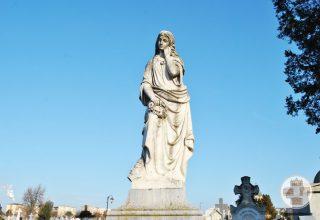 Monumentul funerar al Familiei Bibescu din Cimitirul Sineasca din Craiova